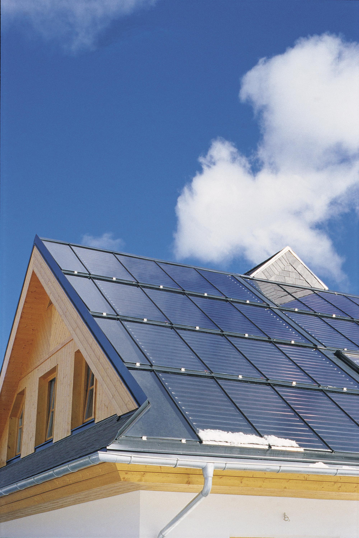 Zweifamilienhaus Hitzendorf Dach mit Solarkollektoren