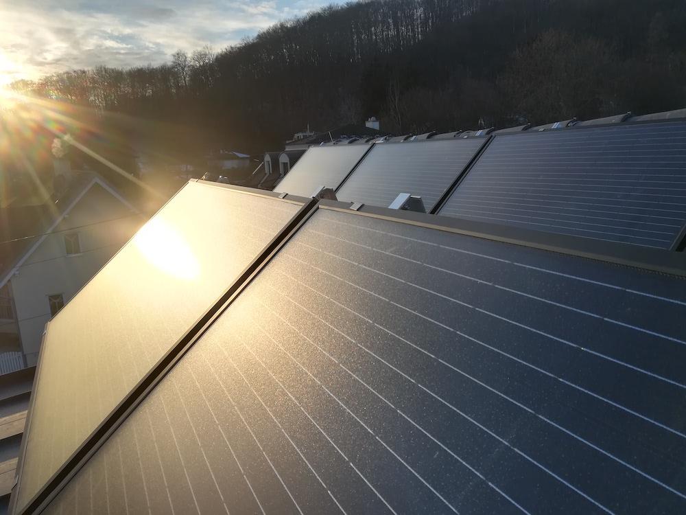 Solarkollektoren Sonne Dach