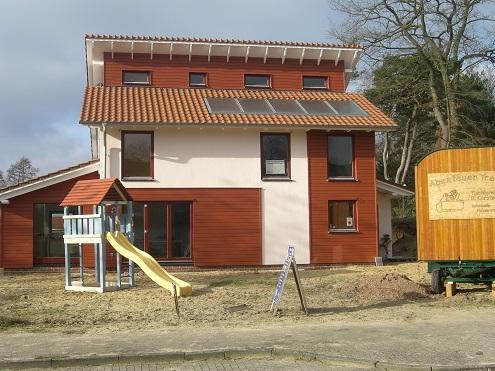 Haus mit Solaranlage am Dach